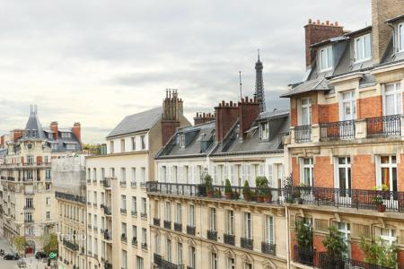 Property for sale in Ile-de-France. Two-levels apartment with unobstructed views, in Paris 16th, Ile-de-France, France