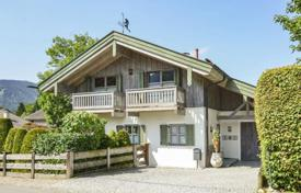 Luxury houses for sale in Bavaria. House in a quiet area of the city, Tegernsee, Germany