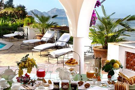 Villas and houses to rent in Amalfi. Villa Bouganville