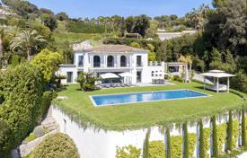 Elegant Art Deco villa, in a quiet and secured environment. Price on request