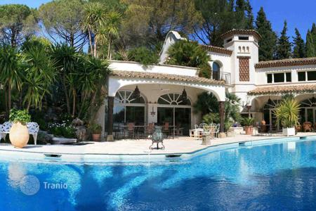 Houses with pools for sale in Auribeau-sur-Siagne. Luxury Villa in the French Riviera near CANNES Great DEAL, Propety was estimated between 16,000,000 euros!