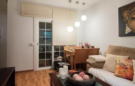 Cheap 3 bedroom apartments for sale in Barcelona. Three-bedroom flat with terrace in Badalona