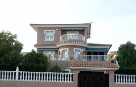 5 bedroom houses by the sea for sale in Valencia. Villa – Valencia, Spain