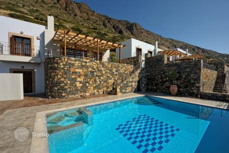 3 bedroom villas and houses by the sea to rent in Greece. Villa - Elounda, Crete, Greece