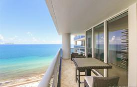 Cosy flat with ocean views in a residence on the first line of the beach, Hallandale Beach, Florida, USA for $860,000