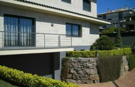 4 bedroom villas and houses by the sea to rent in Costa Brava. Villa – Lloret de Mar, Catalonia, Spain