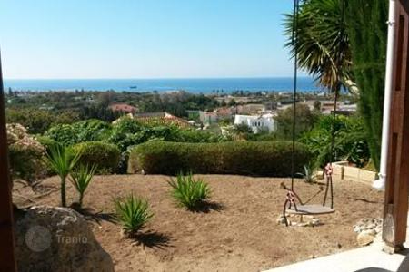 Cheap houses for sale in Cyprus. Villa - Chloraka, Paphos, Cyprus