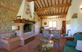 Property for sale in Acquapendente. Renovated stone cottage in a perfect condition with a huge plot of land and with additional annexes, Toscana, Italy