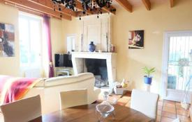 Residential for sale in Gironde. Agricultural – Libourne, Gironde, Aquitaine, France