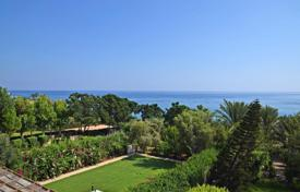 Luxury houses for sale in Protaras. Three Bedroom Beach Front Villa and 2 x Two Bedroom Semi Detached Houses at Sirena Bay
