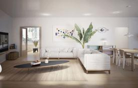 5 bedroom apartments for sale in Catalonia. Designer comfortable apartment with convenient layout and a patio, Barcelona, Spain