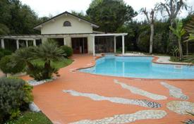 Villas and houses for rent with swimming pools in Marina di Pietrasanta. Villa – Marina di Pietrasanta, Tuscany, Italy