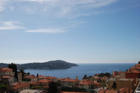 3 bedroom houses for sale in Villefranche-sur-Mer. Home with a postcard sea view