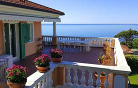 Coastal penthouses for sale in Italy. Penthouse with a spacious terrace and a private garden, at 400 meters from the sea, Ospedaletti, Italy