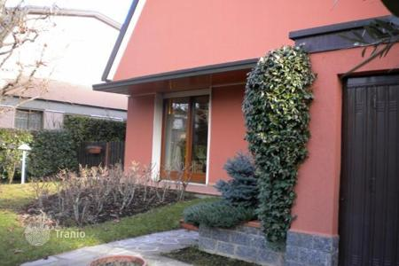 Property for sale in Bollate. Villa – Bollate, Lombardy, Italy