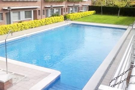Residential for sale in Calella. Terraced house – Calella, Catalonia, Spain
