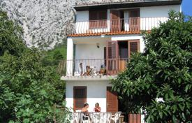 Property for sale in Dubrovnik Neretva County. Three-storey villa with a garden, balconies and a terrace overlooking the sea, Orebic, Peljesac peninsula, Croatia. High rental potential!