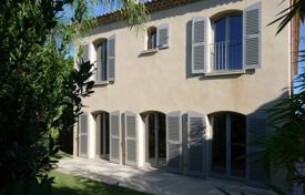 Saint-Tropez — House in the heart of the village. Price on request