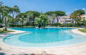 5 bedroom apartments for sale in Marbella. Double apartment in a complex on the beach, Marbella, Costa del Sol, Spain