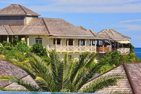 Houses with pools by the sea for sale in Caribbean islands. Detached house – Antigua and Barbuda