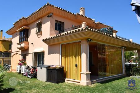 Townhouses for sale in Costa del Sol. Townhouse in Riviera del Sol, Mijas Costa