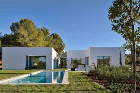 3 bedroom houses for sale in Alicante. Luxury designer villa on the exclusive Orihuela Costa golf course