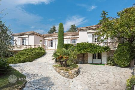 Residential for sale in Opio. Cannes backcountry — Walking distance to Valbonne village