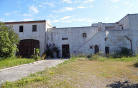 Residential for sale in Apulia. Masseria in 1 km far from the sea, Lido Marini, Italy