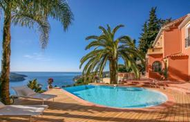 Luxury 5 bedroom houses for sale in Villefranche-sur-Mer. Beautiful villa in Villefranche-sur-Mer