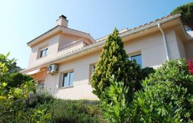 3 bedroom houses for sale in Blanes. Spacious villa with a beautiful garden and a sea view, in a prestigious residential area, Blanes, Spain