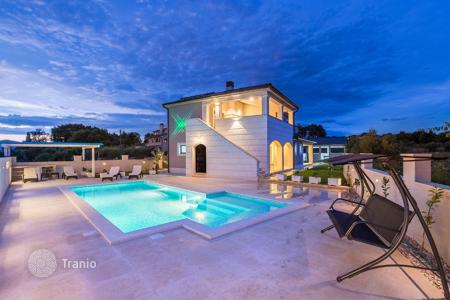 Houses with pools for sale in Pomer. Townhome – Pomer, Istria County, Croatia