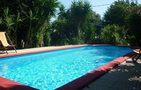 Houses with pools for sale in Apulia. Villa – Apulia, Italy