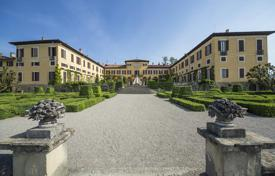 Residential for sale in Lecco. Medieval estate with a picturesque Italian garden, in the province of Lecco, Lombardy, Italy