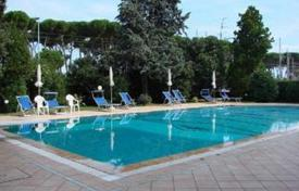 Apartments for sale in Abruzzo. Beautiful sea front apartment with communal swimming pool in Pineto