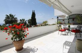 Apartments with pools for sale in Marbella. Apartment for sale in Bahia Real, Marbella East