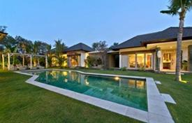 Property for sale in Bali. Luxury two-storey villa with a garden, a swimming pool, terraces, a parking and views of the beaches, Canggu, Bali