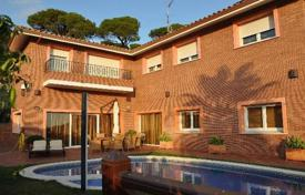 Coastal residential for sale in Barcelona. Villa – Sant Pol de Mar, Catalonia, Spain