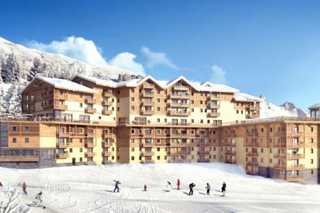 1 bedroom apartments for sale in Auvergne-Rhône-Alpes. Modern apartment in a luxury residential complex in Saint-Martin-de-Belleville, French Alps, France