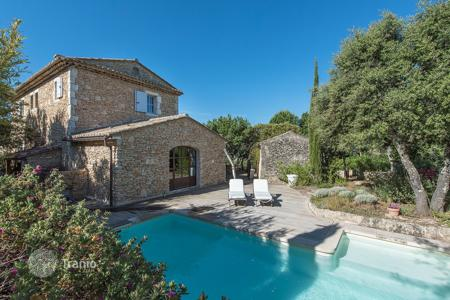 3 bedroom houses for sale in Gordes. Gordes — Traditional house