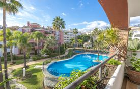 Apartments with pools for sale in Costa del Sol. Remarkable Penthouse in El Infantado, Marbella Golden Mile (Marbella)