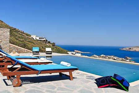 5 bedroom villas and houses to rent in Mikonos. Detached house – Agios Ioannis Diakoftis, Mikonos, Aegean, Greece