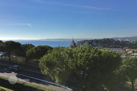 Property to rent in Nice. Nice — Apartment (unfurnished) — Long term letting