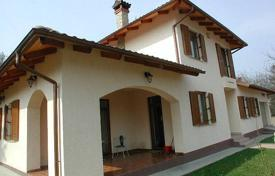 3 bedroom houses for sale in Hungary. Bright house with a terrace and a garden house, District II, Budapest, Hungary