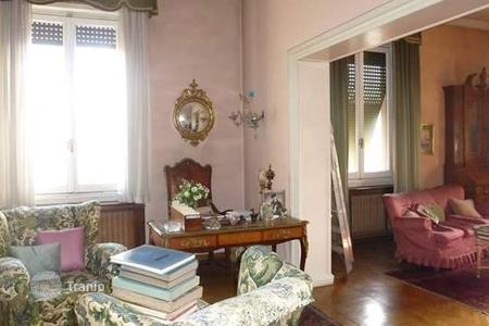 5 bedroom apartments for sale in Florence. Apartment – Florence, Tuscany, Italy