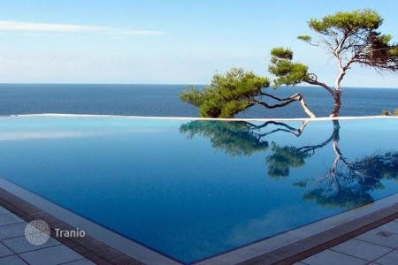 Luxury 4 bedroom houses for sale in Majorca (Mallorca). Super modern and elegant villa in Sol de Mallorca