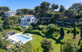 Luxury 6 bedroom houses for sale in Antibes. Contemporary villa with sea view, close to Hotel du Cap