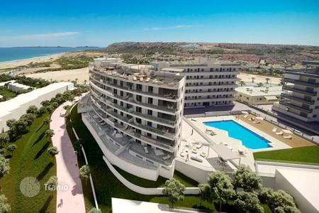 2 bedroom apartments by the sea for sale in Costa Blanca. Luxury apartment in prestigious residential complex in Alicante, Spain