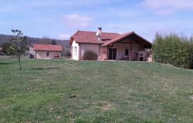 3 bedroom houses for sale in Occitanie. Modern villa with a pool, a terrace and a spacious garden, 20 minutes drive from Tarbes, Hautes-Pyrénées, France
