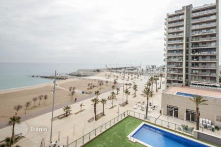 Property for sale in Badalona. Nice apartment in front of Badalona's beach