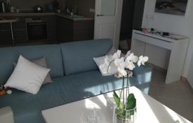 Apartments for sale in Menton. Furnished apartment with a terrace, in a residence with a garage, in Menton, Cote-d`Azur, France